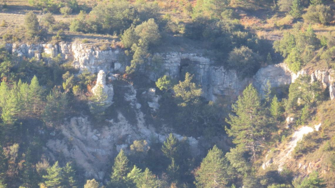 APENDICE III, Ruta hacia las grutas de la Magdalena y Aven Paris…